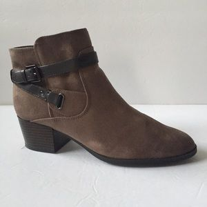 Unisa Ankle Wrap Buckle Booties